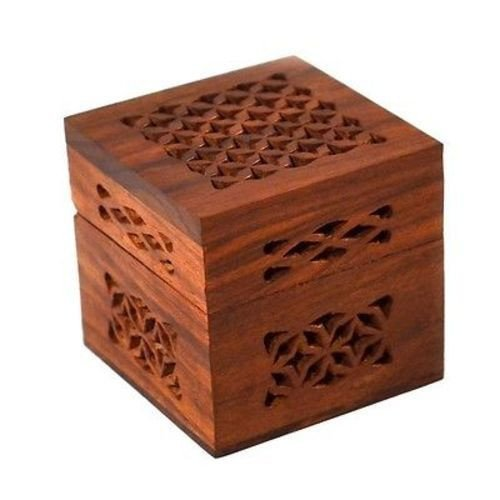 Matr Boomie-B Handmade Small Lattice Cutwork Wood Box