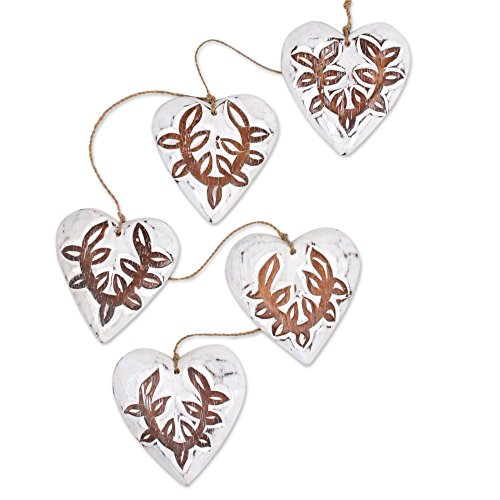 NOVICA-Heart Shaped Natural Fiber Hanging Accessory - White Garland Hearts